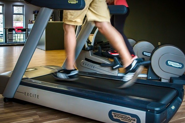 You are currently viewing Welches ist das bessere Trainingsgerät: Laufband oder Ellipsentrainer?